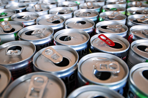 canette-aluminium   recycler aluminium recyclage aluminium prix recyclage aluminium france recyclage aluminium avantages recyclage métaux