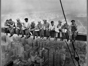 lunchtime-atop-a-skyscraper-1932